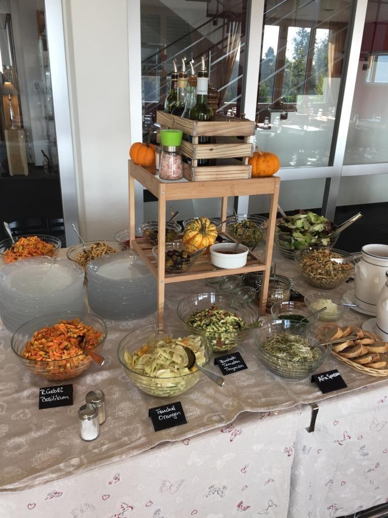 Seminarhaus_Chlotisberg_-Salatbuffet 12/Seminarhaus_Chlotisberg_-Salatbuffet