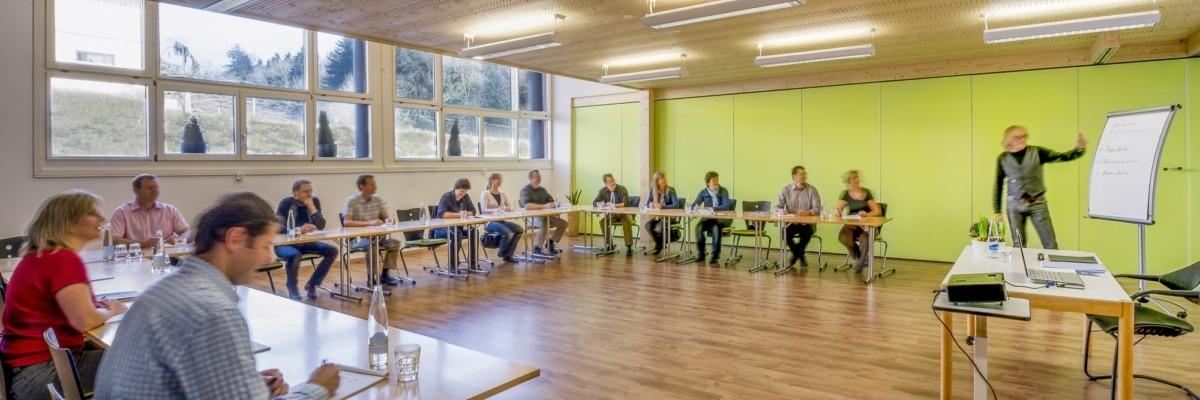 Panorama-3-SemainarrÑume-Chlotisberg-Uform-Harmonie-Teilnehmer-Bearbeitet 3-SemainarrÑume-Chlotisberg-Uform-Harmonie-Teilnehmer-Bearbeitet