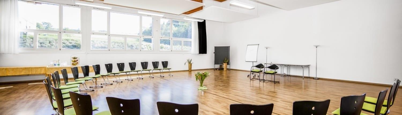 Panorama-3-SeminarrÑume-Chlotisberg-Balance-Kreisbestuhlung-Bearbeitet_st 3-SeminarrÑume-Chlotisberg-Balance-Kreisbestuhlung-Bearbeitet_st