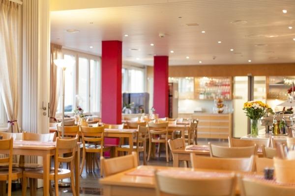 Restaurant-IMG 0204